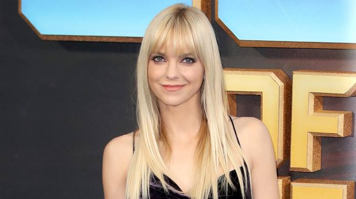 Anna Faris Is Moving, & You