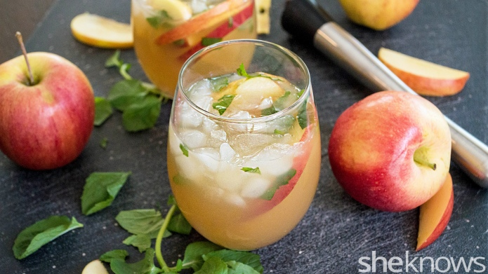 Apple cider and mint mingle in