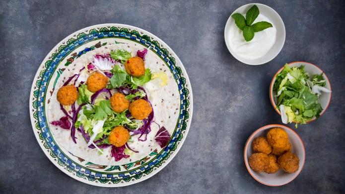 Falafel (wrap, rotkohl, blattsalat, weißkohl -