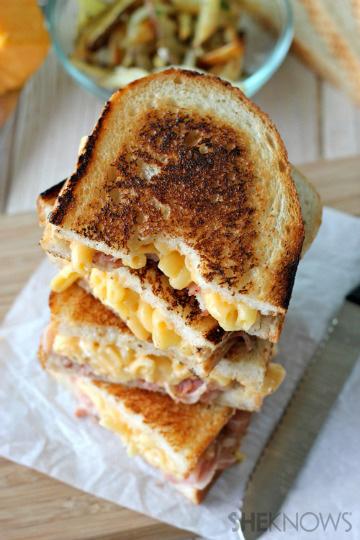 Pancetta mac and cheese panini