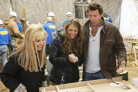 Leigh Anne Tuohy visits Extreme Makeover: Home Edition