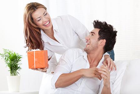 Man receiving valentine's day gift | Sheknows.ca