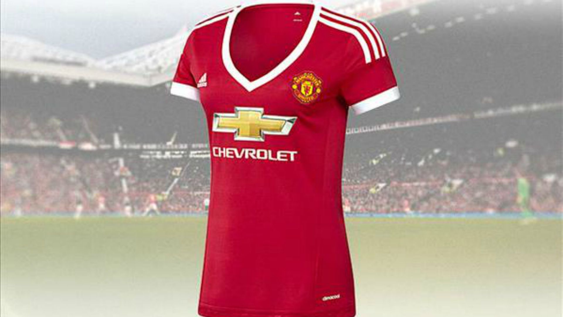 407818849 Manchester United s new ladies  kit isn t sexist