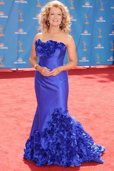Mary Hart boo-boo in blue