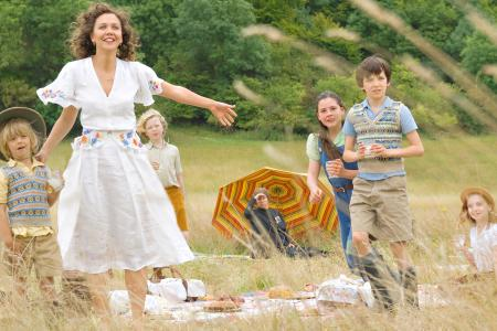 Maggie Gyllenhaal dishes Nanny McPhee Returns