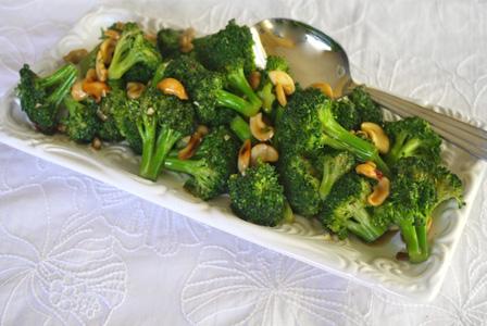 Stir-fried Broccoli with Cashews