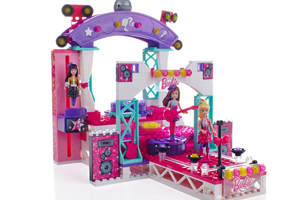 Build 'N Play stage