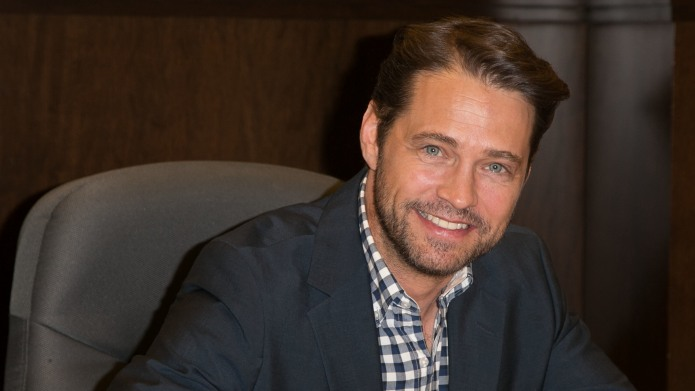 Actor Jason Priestley attends a signing