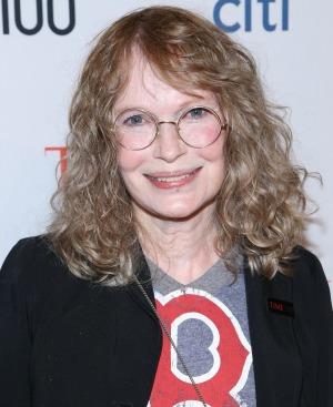 Mia Farrow and Ronan Farrow criticize Woody Allen tribute