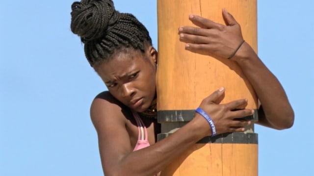 Michaela Bradshaw competes in endurance challenge on Survivor: Game Changers