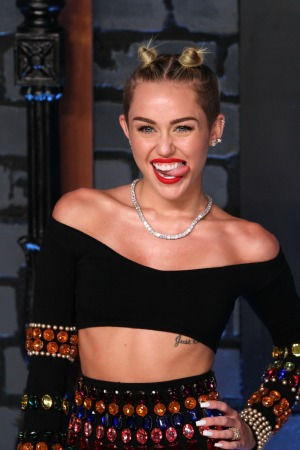 "Miley Cyrus admits that she has several ""issues"""