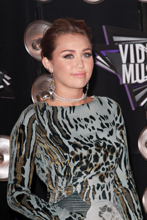 Miley Cyrus says she's a stoner