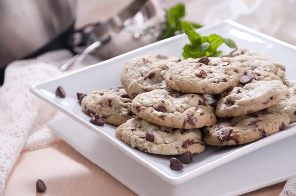 Vegan mint chocolate chip cookies recipe