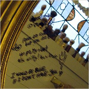 Mirror writing | Sheknows.ca