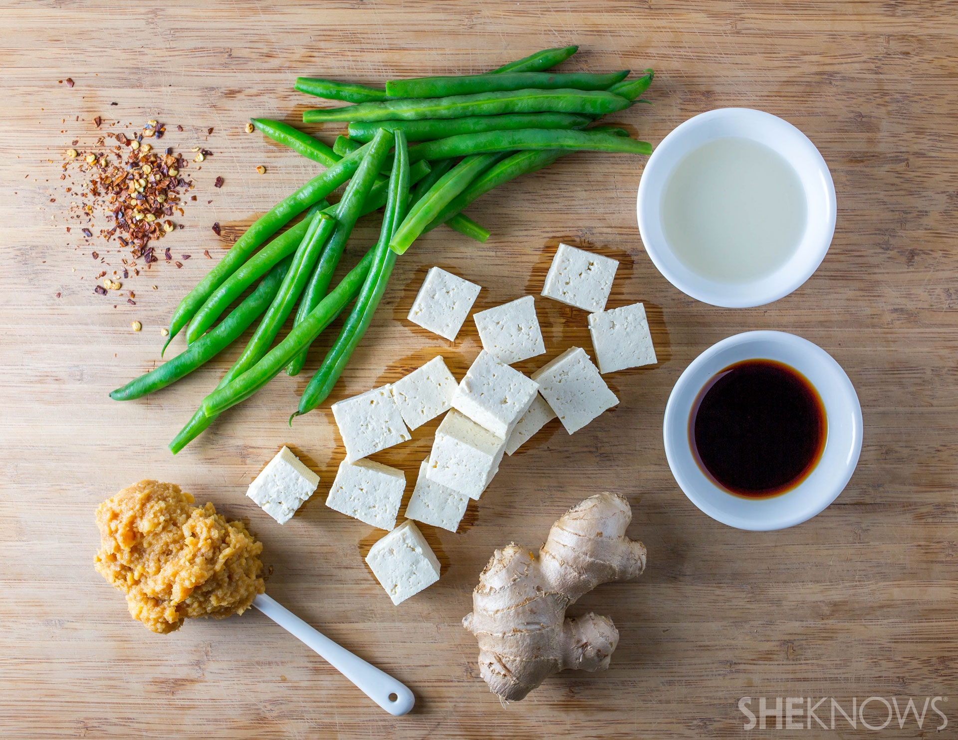 Miso-glazed tofu with spicy string beans: Ingredients