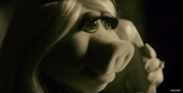 Miss Piggy covers Adele's Hello