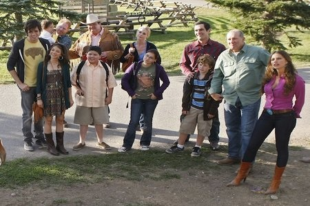 Modern Family season premiere pics: We're going to a dude ranch