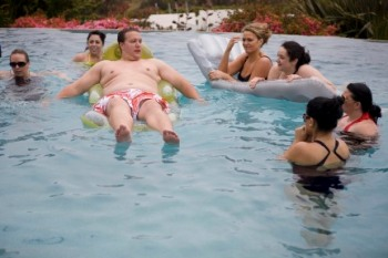 Fox's More to Love throws a pool party