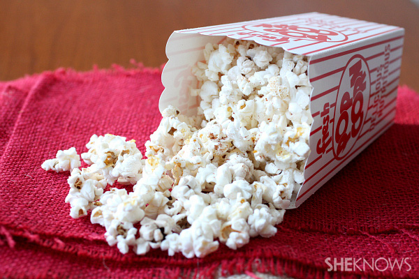 Movie-time spicy air-popped popcorn