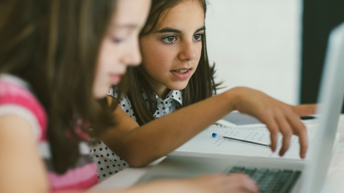Experts say kids should be coding