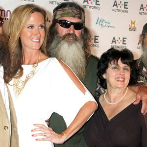 Duck Dynasty star suspended after homophobic