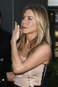 Jennifer Aniston dated Jon Stewart?