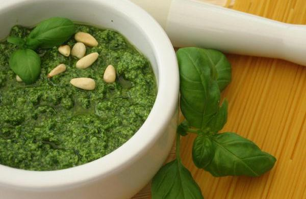How to make your own pesto