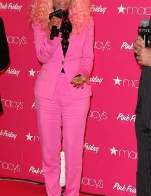 Magazine names worst-dressed stars of 2012