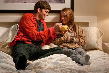 Ashton Kutcher and Natalie Portman in No Strings Attached