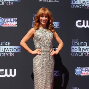 Kathy Griffin flashes granny panties at