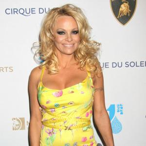 Pamela Anderson stuns with her new