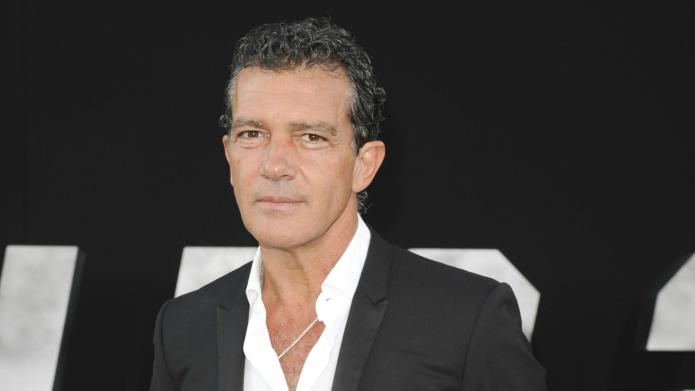 Single Antonio Banderas is loving the