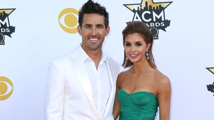 Jake Owen announces divorce in a