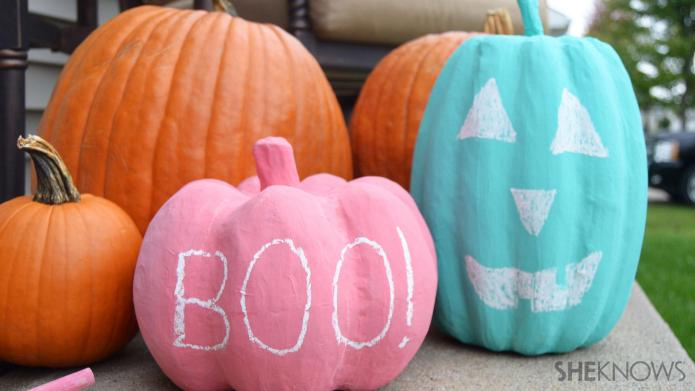Colorful chalkboard pumpkins for Halloween
