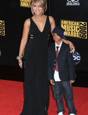 How Toni Braxton is fighting son's