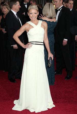 Kelly Ripa at 2012 Oscars