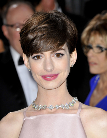 Anne Hathaway at the 2013 Oscars
