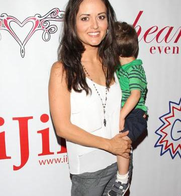 Danica McKellar joins the Mommalogues