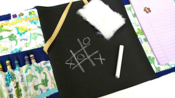 These DIY chalkboard lap mats will