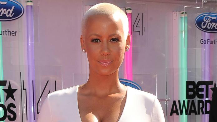 Amber Rose partakes in #HumpDay by