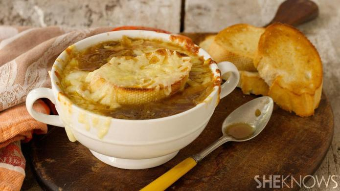 Slow cooker French onion soup and