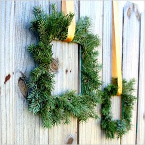 Paint stick evergreen wreath | Sheknows.ca