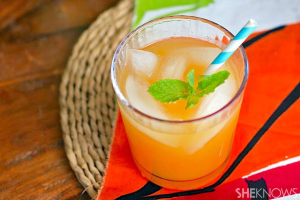 Papaya, pineapple and ginger cooler
