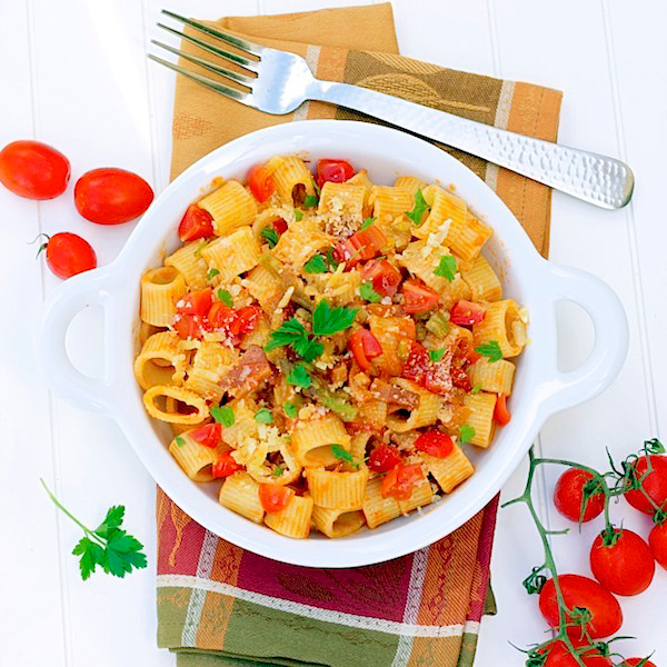 pasta with tomatoes, pancetta, asparagus