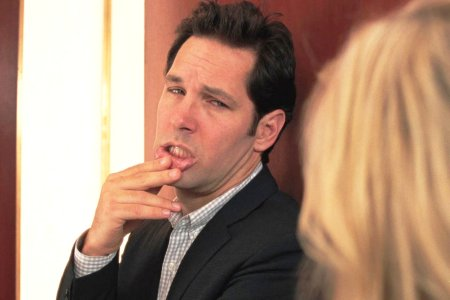 Paul Rudd and Reese Witherspoon in How Do You Know