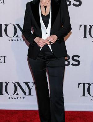 Jane Lynch's marriage comes to an