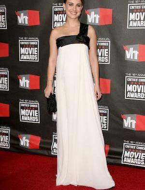 Natalie Portman goes topless for Dior