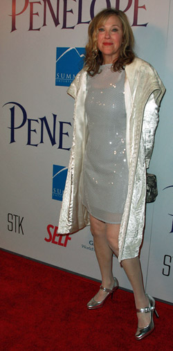 Catherine O'Hara on the red carpet