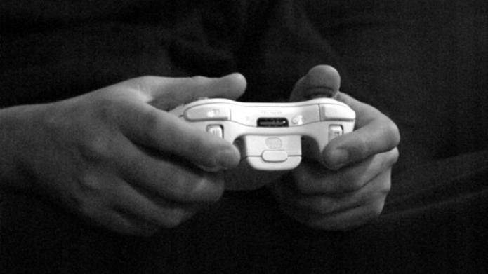 Hackers ruin Christmas with Playstation, Xbox