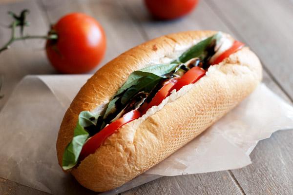Easy summer tomato hoagie with fresh mozzarella recipe